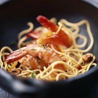 Crevettes sautées aux nouilles chinoises