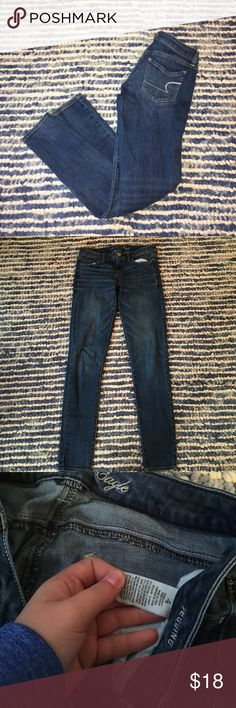 American Eagle Jeggings Size 4 gently used BUNDLE 2 ITEMS FOR 30 % OFF minimal fading American Eagle Outfitters Jeans Skinny