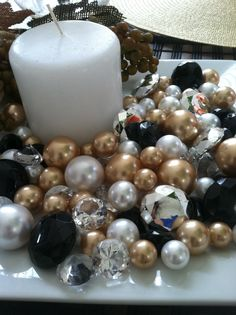 Diamonds and pearl christmas/holiday centerpiece. Listing description: Colors: Silver, Black, Gold Brown, White 80 pieces of mix pearls and diamonds. Colors and size will be random, ranging from size Pearl Centerpiece, Holiday Centerpieces, Candle Centerpieces, Christmas Decorations, Candles, Black And Gold Centerpieces, Reunion Decorations, Banquet Decorations, Gold Christmas