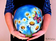 Daisies flowers and butterfly Creative Pregnant Belly Bump Painting pics) Baby Belly, Pregnancy Belly, Bump Painting, Pregnant Belly Painting, Belly Art, Belly Casting, Belly Bump, Future Maman, Face Painting Designs