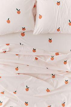 Shop on UO: Allover Peaches Sheet Set – Maison – Décoration – Home – Interior My New Room, My Room, Dorm Room, Dream Bedroom, Home Bedroom, Bedroom Decor, Bedrooms, Ideas Hogar, Retro Home Decor