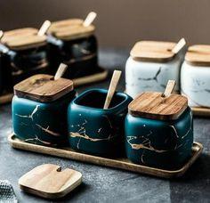 Jars Salt Pepper Cumin Powder Box Tool Kitchen Spice Storage Bottle with 4 Serving Spoons -Luxurious Condiment Cruet Bottle Blue Airtight Gourmet Seasoning Box 4 grids Spice Box Spice Jar Set