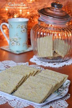 Gabriella kalandjai a konyhában :): Diós-citromos karácsonyi keksz