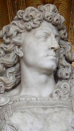 Statue de Louis XIV par Warin,  Salon de Vénus, Grands Appartements, Château de Versailles