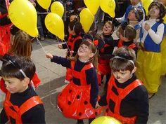 Ideas disfraces de animales para escolares | Todo Halloween. http://www.multipapel.com/producto-Bolsas-de-basura-de-colores-para-disfraces.htm