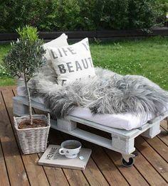 Best Wood Pallet Lounge Chair Ideas For Your Patio Ideas SweetHomes