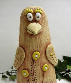 Keramický pták How To Make Clay, Clay Animals, Air Dry Clay, Ceramic Artists, Bottle Opener, Elephant, Birds, Pottery, World