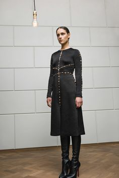 Marios Schwab Fall 2015 Ready-to-Wear Collection Photos - Vogue