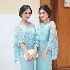 Image may contain: 2 people Kebaya Lace, Kebaya Brokat, Kebaya Dress, Dress Pesta, Dress Brukat, Hijab Dress Party, Lace Dress, Beautiful Dresses, Nice Dresses