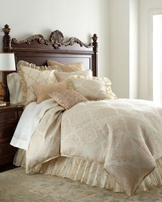 Isabella Collection by Kathy Fielder King Analiese Medallion Duvet Cover, x Queen Analiese Medallion Duvet Cover, x King Analiese Dust Skirt Luxury Duvet Covers, Bed Duvet Covers, Luxury Bedding Sets, Bedding Master Bedroom, Home Bedroom, Bedroom Decor, Bedroom Ideas, Dream Master Bedroom, Loft