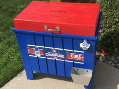 Cubs patio DECK Cooler for patio events. 28qt cedar cooler fits that situation when the house is full of guests and a refrigerator is full of food. Instead of using that ugly old ice chest pull out this attractive cooler.