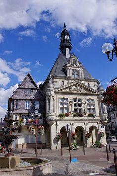 Péronne - Hôtel de Ville