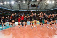 """JAWOLL! Die DVV-Ladies """"fliegen"""" im Fast-Schnelldurchgang ins EM-Halbfinale! Soeben wurde die Auswahl von Kroatien mit 75:64 aus der Halle gefegt! Hochachtung! Foto: CEV www.volleyfuture.de"""