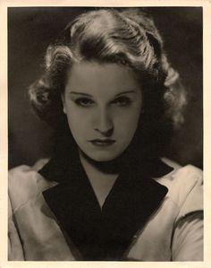 George Hurrell - Lili Damita (1930)
