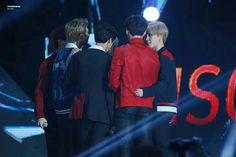 방탄소년단 • 180111 BTS won the 'Album Division' Bonsang and Daesung on the second day of The 32nd Golden Disc Awards! #BTS