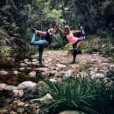 Double dancers pose in Spiritgirl eco friendly yoga pants at #naturesvalley  Acro Yoga  www.spiritgirl.co.za