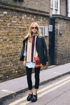 topshop Absolutely adore this casual and chic outfit! Must get our hands on those shoes too! Uk Street Style, Autumn Street Style, Autumn Style, Mode Outfits, Fashion Outfits, Fashion Trends, Look Fashion, Autumn Fashion, Net Fashion
