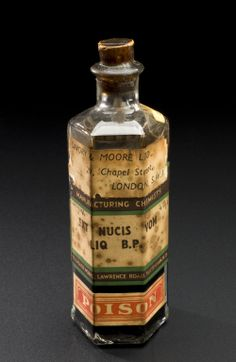 Bottle of extract of nux vomica 1794-1930