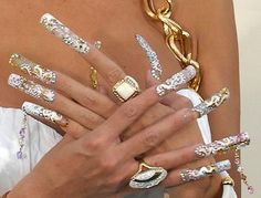 Nail Art is big fashion and wearing false nails, acrylic tips or having gel overlays are almost standard in a lot of women who prefer to have long nails but don't want to grow their own. Description from nailartscelebrity.blogspot.com. I searched for this on bing.com/images