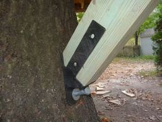Treehouse attachment - gusset brace