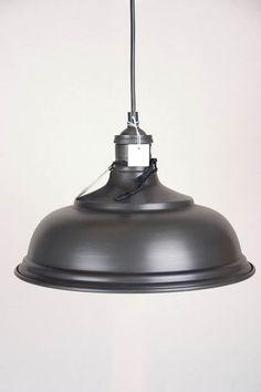 Country lighting: Prachtige landelijke industriële stijl hanglamp van Riverdale met een diameter van 30cm.