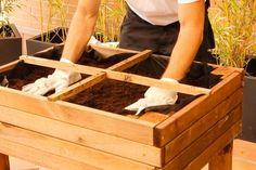 Monta de forma sencilla tu propia mesa de huerto urbano para tener siempre a mano tus hortalizas y plantas aromáticas. Diy Y Manualidades, Hope Chest, Storage Chest, Home Decor, Shape, Vivarium, Vegetables Garden, Easy Crafts, Vegetable Garden