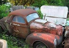 please save me! Junkyard Cars, Rat Rods, Rust In Peace, Abandoned Cars, Abandoned Vehicles, Rusty Cars, Vintage Racing, Vintage Cars, Ford