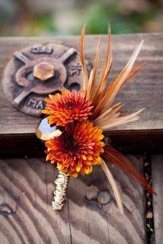 9 Amazing Fall Wedding Flowers for Your Big Day Orange Chrysanthemum Wedding Boutonniere: You know f Fall Wedding Bouquets, Fall Wedding Flowers, Fall Wedding Colors, Fall Flowers, Autumn Wedding, Floral Wedding, Our Wedding, Wedding Ideas, Wedding Stuff
