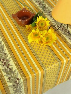 Cotton or coated tablecloth from Provence. Can be made in any size.