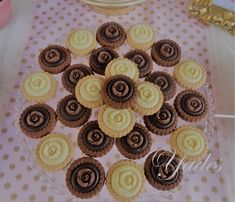 Candy Bar Mini Cupcakes, Christening, Candy, Bar, Desserts, Food, Tailgate Desserts, Deserts, Essen