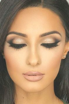 Sexy Smokey Eye Makeup Ideas That Help You Draw His Attention - MakeupModelist Winter Wedding Makeup, Wedding Eye Makeup, Wedding Makeup For Brunettes, Wedding Makeup For Brown Eyes, Makeup Looks For Brown Eyes, Winter Makeup, Bride Makeup, Holiday Makeup, Wedding Beauty