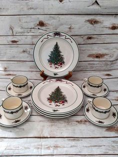 Champagne Christmas Tree, Mesh Christmas Tree, Christmas Dishes, Winnie The Pooh Nursery, Autumn Table, Crib Sets, Dish Sets, Indiana Glass, Small Boxes