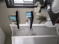 Putting shelving like this in my bathroom! Good place to put a small plant too!
