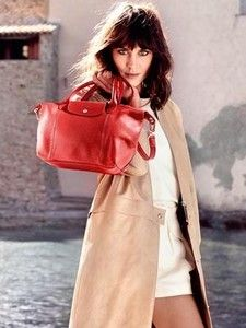 British model-television host Alexa Chung is pictured on a sunny holiday with Longchamp bags in Saint-Tropez for the accessories label's Spring Summer 2014 campaign Saint Tropez, Alexa Chung, Kate Moss, New York Fashion, Fashion News, Tokyo Fashion, Runway Fashion, Fashion Women, Jimmy Choo