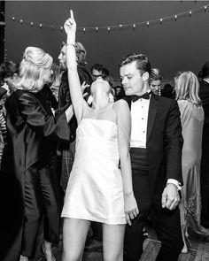 Estupendo Tory Burch Style Editor Grace Sickles's Wedding Was Lyford Cay Meets Upstate C. Tory Burch Style Editor Grace Sickles's . Wedding Goals, Wedding Sets, Dream Wedding, Wedding Day, Wedding Styles, City Hall Wedding, Cake Wedding, Budget Wedding, Wedding Bride