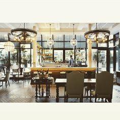 Amazing bar @cottonhouse @barcelona one of my fav european cities via: @casavoguebrasil #cottonhouse #barcelona #spain #decoracion #casa #interiorista #interiores #deco #decoracao #inspiration #dowhatyoulove #loft230 #homestyling #interiors #inspiration #interiordesigner by loft230
