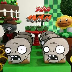 Plants vs Zombies by Papelinttê Zombie Birthday Parties, 5th Birthday Party Ideas, Zombie Party, Party Themes, Plants Vs Zombies, Zombies Vs, Zombie Decorations, Zombie Kid, Ideas Para Fiestas