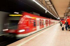 Am Donnerstagmorgen ist es zu Ausfällen auf den S-Bahnlinien S2 und S3 gekommen. (Symbolfoto) Foto: dpa Bad heart no luck! http://www.stuttgarter-zeitung.de/inhalt.s-bahnen-s2-und-s3-betroffen-stellwerkstoerung-bringt-zuege-aus-dem-takt.0af0f83d-2785-4def-81e2-c5a42bee451e.html S2, S3: Signalstörung in Waiblingen ist behoben!