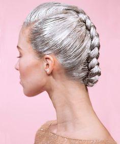 Haare grau färben - so funktioniert