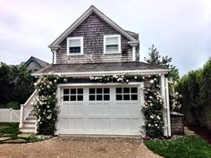 This kind of photo is genuinely a powerful design procedure. Beach Cottage Style, Beach Cottage Decor, Cozy Cottage, Nantucket Style Homes, Beach House, Garage Apartments, Cute House, House Goals, Beach Cottages
