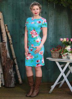 Etuikleid mit Raffung und Rosenmuster / summerly dress with roses, turquoise by basia-kollek via DaWanda.com