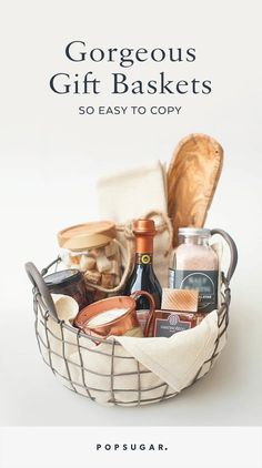 Wedding Gifts Diy Gorgeous Gift Baskets So Easy to Copy via /stylemepretty/ /homegoods/ - No one would blame you if you never wanted to create a gift basket on your own. DIY gift baskets are pretty intimidating, since you have to find the right Diy Food Gifts, Spa Gifts, Creative Gifts, Homemade Gifts, Craft Gifts, Easy Gifts, Homemade Food, Creative Ideas, Simple Gifts