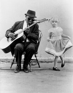 ♫♪ Music ♪♫ black & white Gary Davis and little dancer..