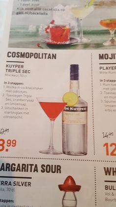 Cosmopolitan - met triple sec, cranberry (kan ook met fruit ipv sap) en limoensap of limoenstukjes