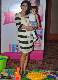 Bollywood actresses Anushka Sharma and Kajol began their week with their respective work commitments on Monday (February in Mumbai. Bollywood Images, Bollywood Stars, Bollywood Fashion, Indian Dresses, Indian Outfits, Most Beautiful Bollywood Actress, Huma Qureshi, South Indian Sarees, Actress Anushka