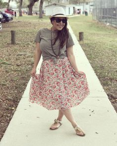 Lularoe classic tee and floral Lola skirt   LuLaRoeJeaneanePenne