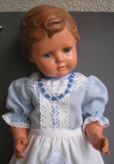 SCHILDKRÖT - Erika 64 - eine schöne, große Puppe in wunderschöner Kleidung , top | eBay
