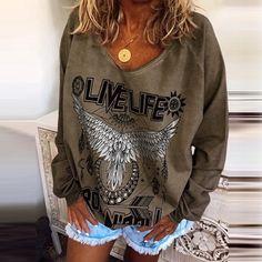 Camiseta mujer en Oferta Graphic Sweatshirt, Sweatshirts, Blazers, Sweaters, Fashion, Personal Style, Military, Women, Moda