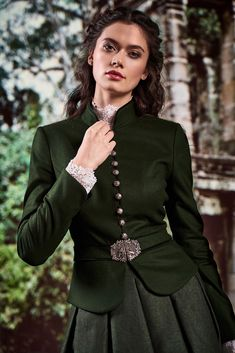 Simplicity combined with sophistication, and the modern interpretation of tradition - this is the mothwurf austrian couture collection for fall 2019 winter Dirndl. Cover and much more. Fashion Line, Daily Fashion, Fashion Brand, Fashion Design, Traditional Fashion, Traditional Outfits, Couture Collection, Fashion Outfits, Womens Fashion