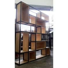 Para decorar seu Hall de Entrada de seu apartamento Divider, Room, Design, Furniture, Home Decor, Industrial Decor, Crates, Wood, Entry Hall